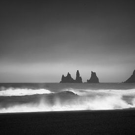 ReynisDrangar Islande noir et blanc sur Thomas Kuipers