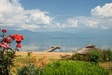 Blick auf den Prespa-See in Mazedonien von Cor de Hamer