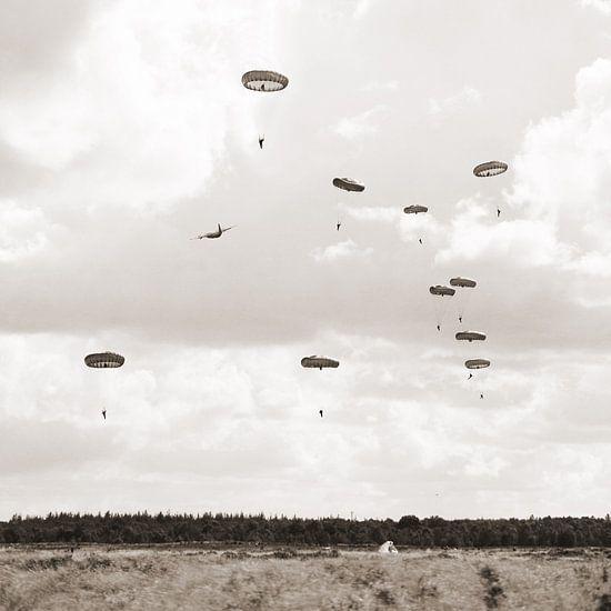 Parachutisten  van Tess Smethurst-Oostvogel