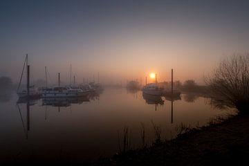 Ochtendgloren bij haven van Moetwil en van Dijk - Fotografie