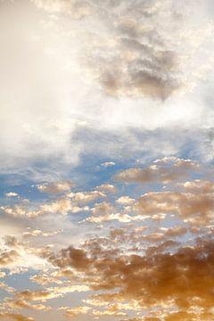 Wolkenlucht van Peter de Kievith Fotografie