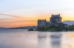 Avondgloed bij kasteel Eilean Donan van Roelof Nijholt