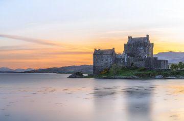 Abendglühen im Schloss Eilean Donan von Roelof Nijholt