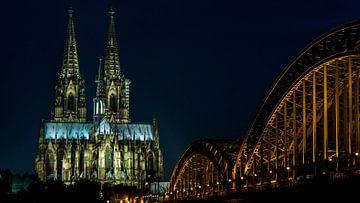 Kölner Dom in der Nacht von Dorien Mast
