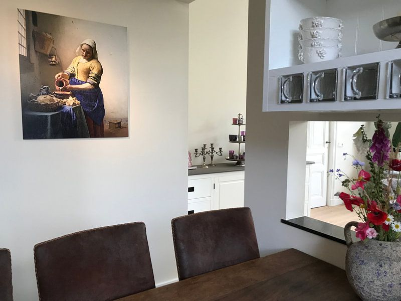Klantfoto: Het Melkmeisje - Vermeer Schilderij (HQ) van Schilderijen Nu, op aluminium