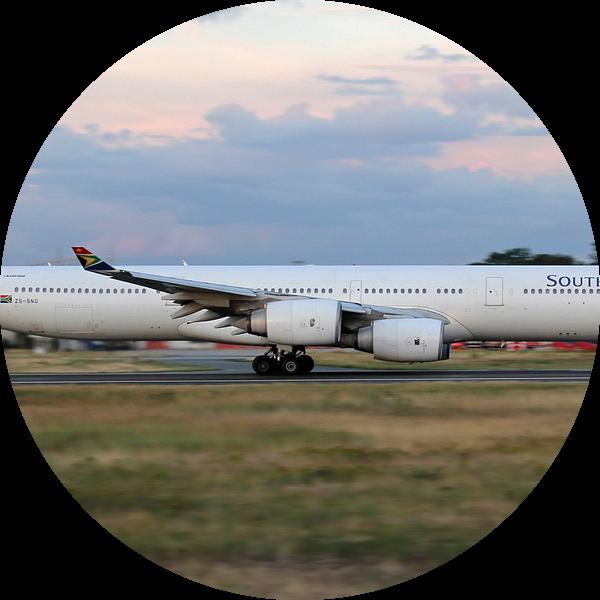 Zuid-Afrikaanse Airbus A340-600 van rheinmain.from.above