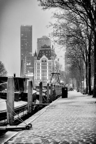 Winterfoto van de Haringvlieg en het Witte Huis in Rotterdam