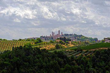 Blik op San Gimignano 2 - Toscane - Italie van Jeroen(JAC) de Jong