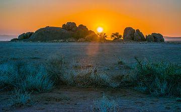 Zonsondergang in de Namib woestijn, Namibië van