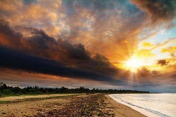 Dramatische zonsopkomst Madagaskar von Dennis van de Water