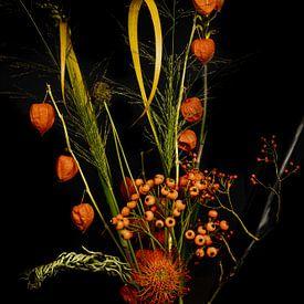 Stilleven boeket oranje bloemen van Ineke Huizing