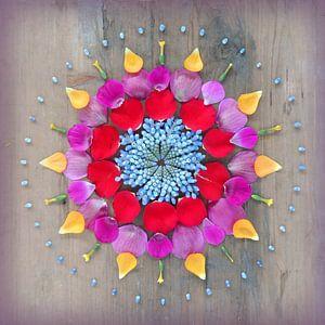 Bloemenmandala Happiness van Margreet Ubels