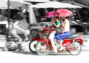 Brommers met factor 10 in Cambodja