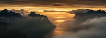 Mefjorden sunset Panorama van Wojciech Kruczynski