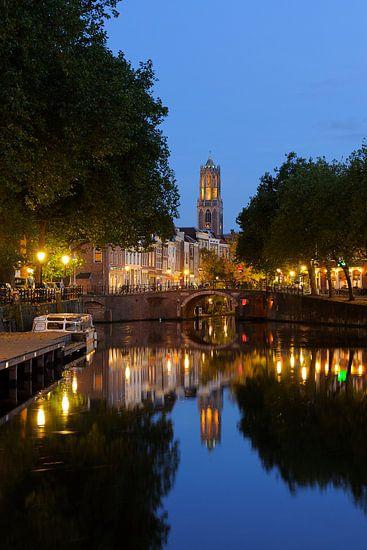 Zandbrug, Oudegracht en Domtoren in Utrecht van Donker Utrecht