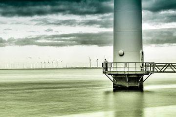 Windmolens in het landschap  in blauw en groen van Marjon Meinders