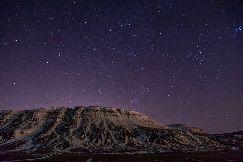 Sterrenlucht in IJsland van Jasper den Boer
