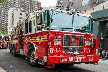 Voiture de pompiers à New York sur Ivo de Rooij