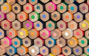 Collectie van bont gekleurde potloden