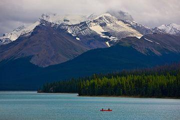 Maligne Lake in Jasper N.P., Alberta, Kanada von Henk Meijer Photography
