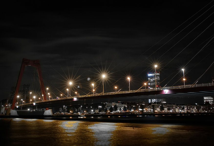 Lampen op de Willemsbrug van Gabsor Fotografie