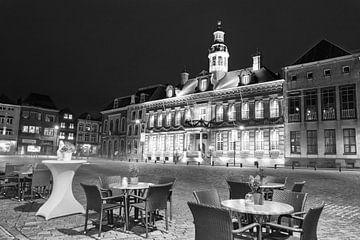 De Markt van Roermond in de avond van Christa Thieme-Krus