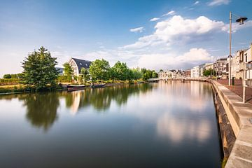 Das Viertel entlang De Vecht in der Nähe von OpBuuren in Maarssen (Utrecht, Niederlande) von Michel Geluk
