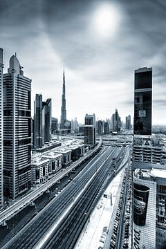 Empty streets of Dubai sur Martijn Kort