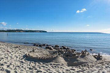 Sandburg am Strand in Lobbe von GH Foto & Artdesign