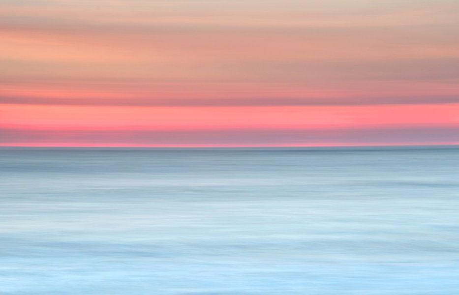 Lijnenspel aan zee van Remco Stunnenberg