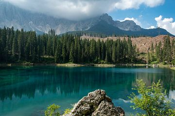 Karersee, Zuid-Tirol van Richard van der Woude