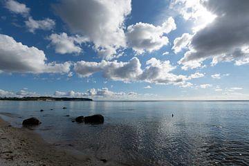 Natuurstrand van Lobbe, schiereiland Mönchgut op het eiland Rügen van GH Foto & Artdesign