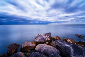 Stenen bij een aankomende storm