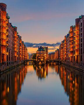 Zonsondergang bij de Speicherstadt,  Hamburg