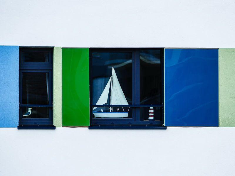 Seagull, sailing boat and light house van brava64 - Gabi Hampe