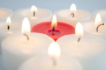 Faire brûler des bougies sur Dennis  Georgiev