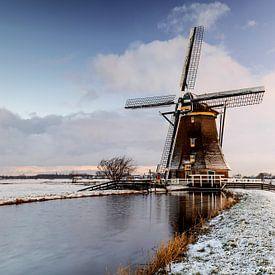 Molen Aarlanderveen in een besneeuwd landschap van Remco Bosshard