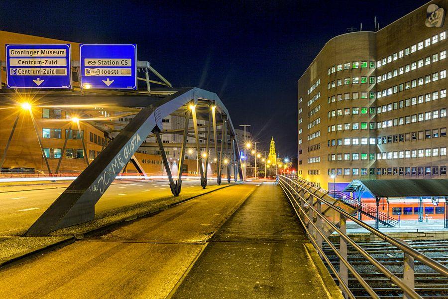 Emmaviaduct Groningen bij avond