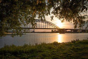 Waalbrug Nijmegen von Monique Pals