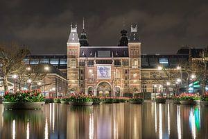Het Rijksmuseum bij nacht