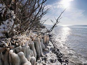 Gefrorener Strand – Steilküste Hohes Ufer, Ahrenshoop, Darß von