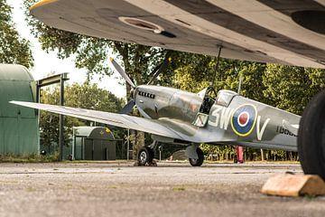 Spitfires op het platform van Floris Oosterveld