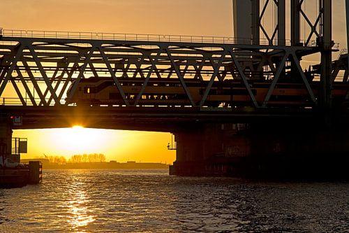 Zonsondergang Hefbrug Dordrecht