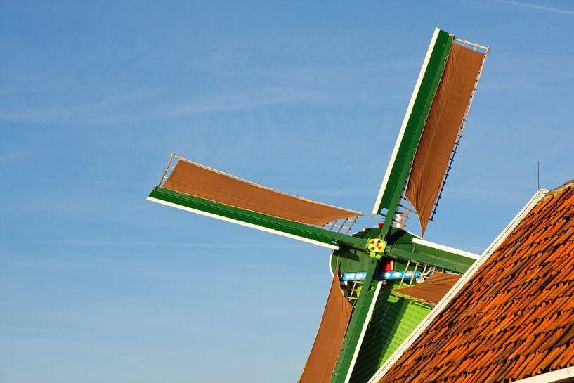 Closeup Nederlandse windmolen van Jan Brons
