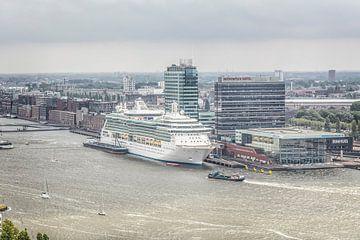 Uitzicht op haven Amsterdam met Bimhuis