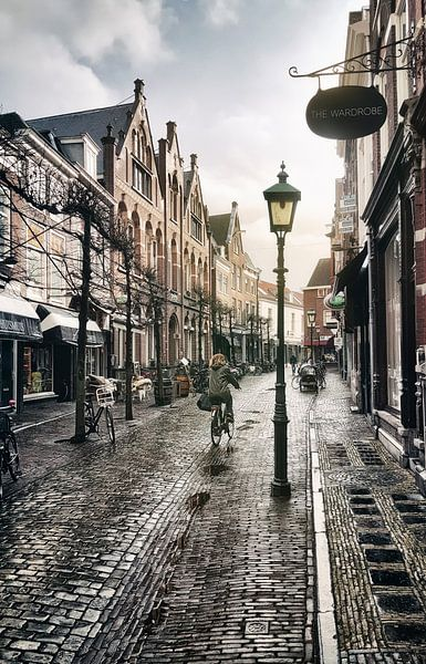 Haarlem: Warmoesstraat na de bui. van Olaf Kramer
