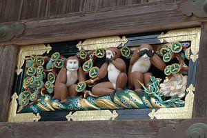 Horen, zien en zwijgen aapjes bij de Toshogu shrine in Nikko, Japan