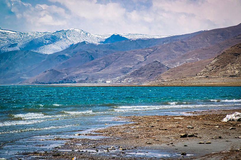Bergmeer in de Himalaya, Tibet van Rietje Bulthuis
