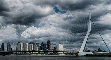 Herfst valt over Rotterdam van Wilhelmus Michael Doornbos