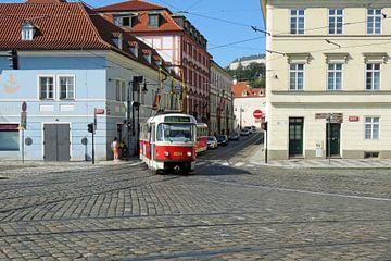 Tram in Praag van Ad Hoeks
